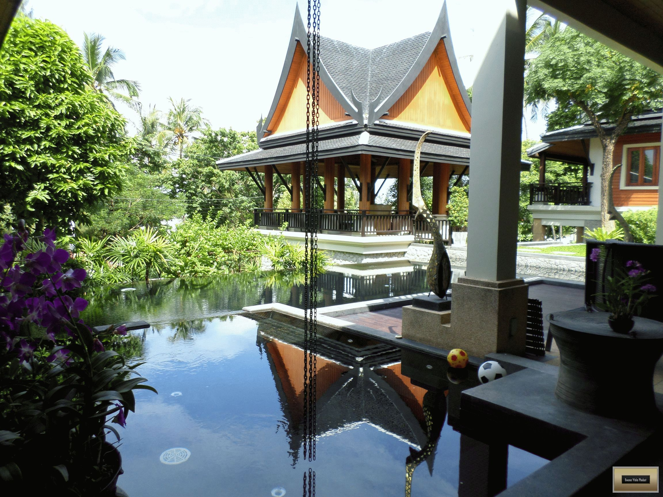 5 + 1 bedroom luxury Asian villa in Rawai