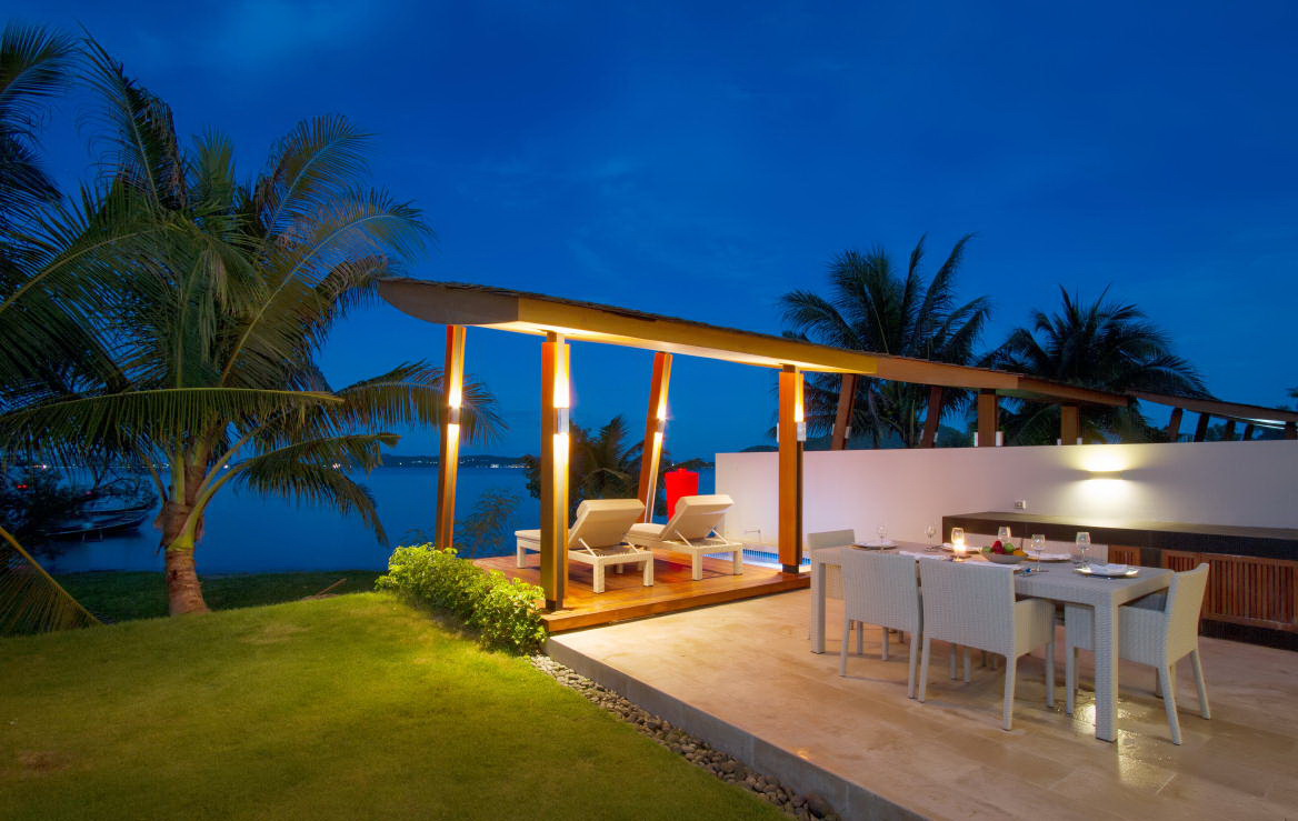 3 bedroom luxury beachfront villa in Rawai