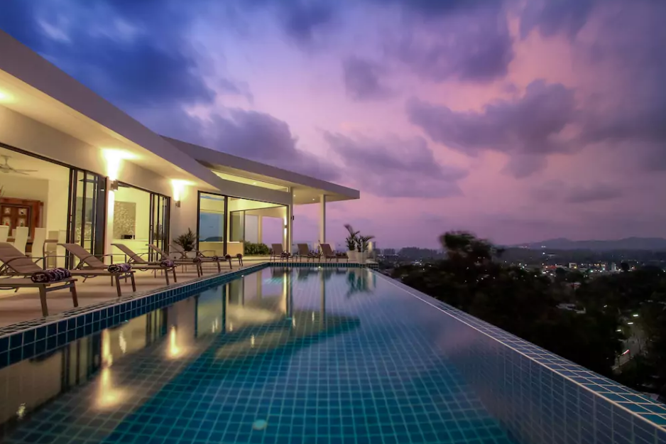 9 bedroom infinity pool villa in Bangtao